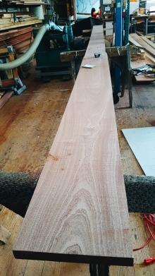 Full-length keel plank.