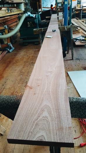 Full-length keel plank.